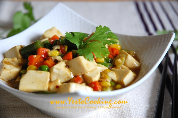 Tofu and Mixed Vegetables in Madras Curry Sauce- Yes to Cooking