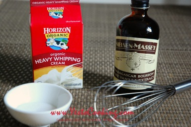 Basics: Vanilla Whipped Cream- Yes to Cooking