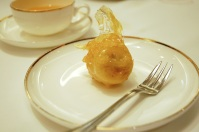 Fritters (拔絲) for dessert.