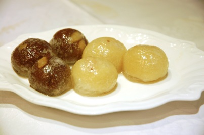 Yin-yang crystal buns are mochi-like desserts with sweet bean paste fillings.