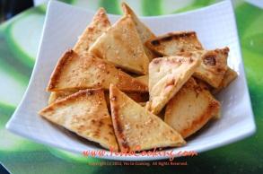 Garlic Parmesan Pita Chips- Yes to Cooking