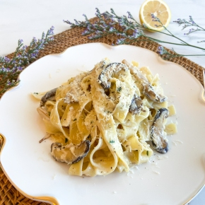 Creamy Lemon Pasta with Mushroom and Garlic